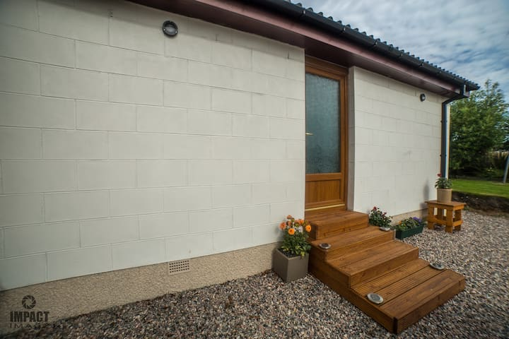 Sunset Room Mill View Gress Bed And Breakfasts For Rent In Gress Scotland United Kingdom