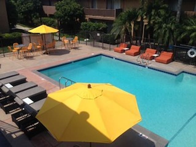 Lovely Apartment in Central Orange County - Tustin - Wohnung