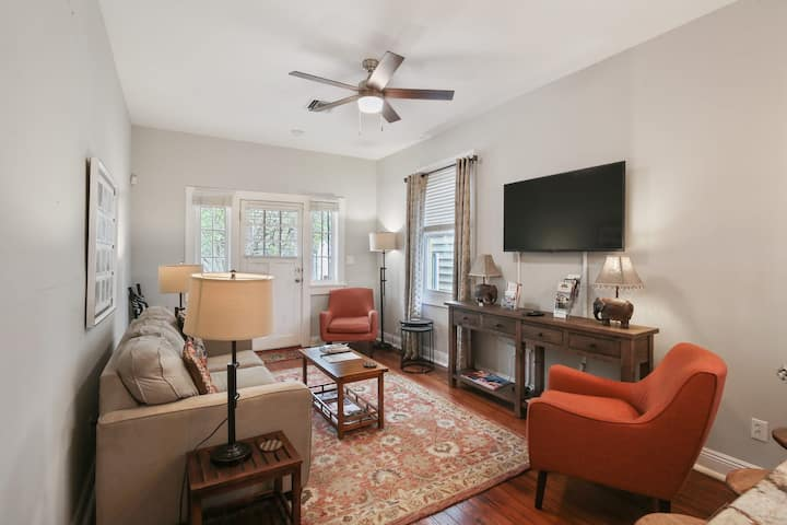 Freshly Updated Lower Garden District Pad - Must See!!