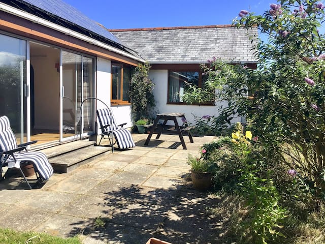 Private bungalow and garden,  pet friendly