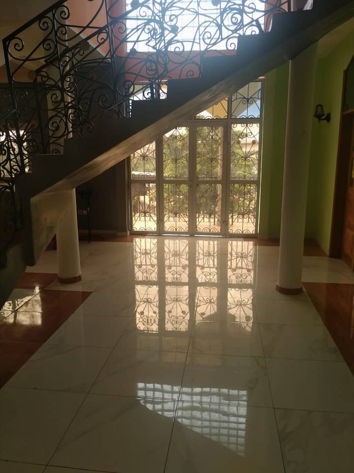 DGL Ndogbong: Duplex meublé
