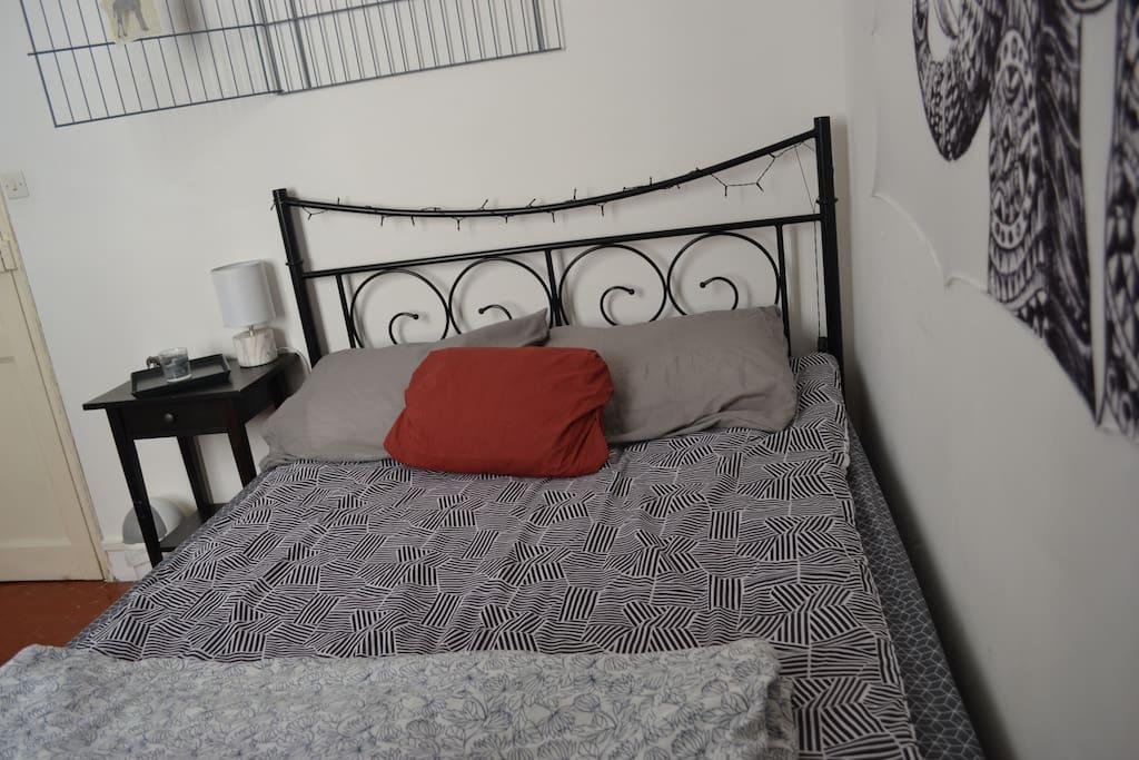 Votre chambre (le lit)