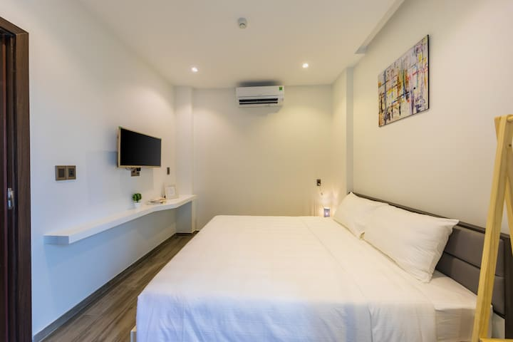 Fully Furnished 1BR Apartment