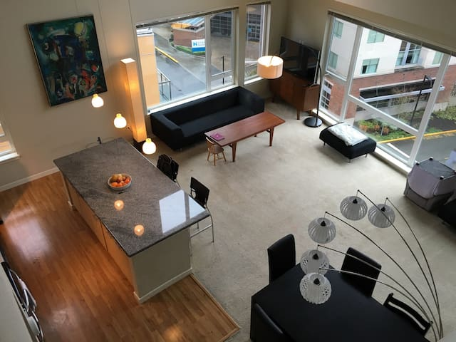 Penthouse 10 miles from Seattle - Redmond - Apartment