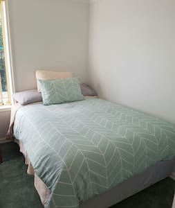 Comfy double room in charming home - Mount Pleasant - Dům