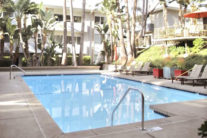 Peaceful Modern 1Bed 1Bath mins from Century City!