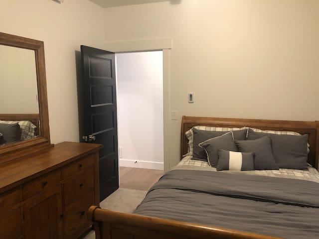 Queen size bed  Bedroom 1
