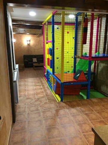 Casa Rural Tío Mora para niños y cerca de Madrid