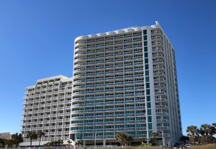 Great 1 bdrm oceanfront condo, Sandy Beach Resort