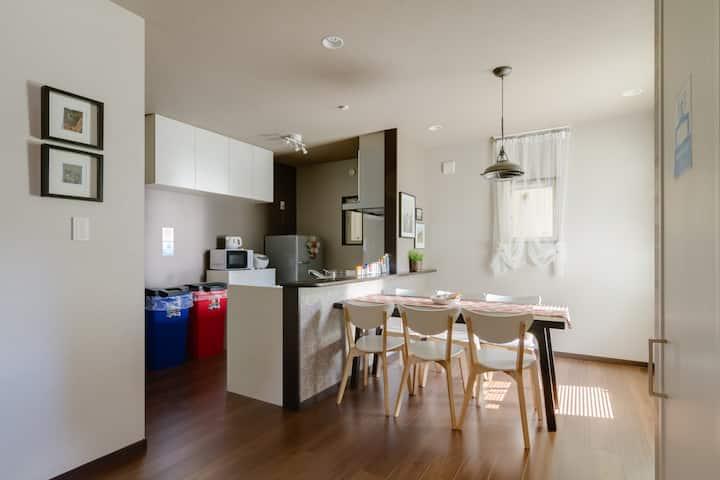 Easy access Nanba,USJ,Kaiyukan☆100㎡ 4bedroom house