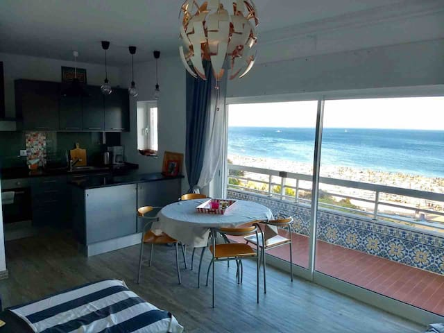 Beachfront apartment with incredible view