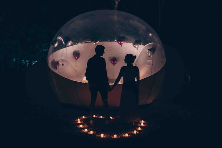Romantic Jungle Bubble Tent with private Cenote!