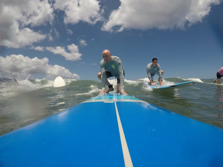 Surfing with your friends!