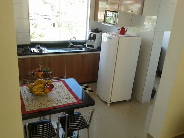 Apt com ar condicionado, cinco minutos do Inhotim. - Brumadinho - Appartement