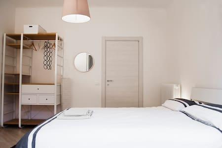 Stanza privata dietro la torre - Piza - Apartament