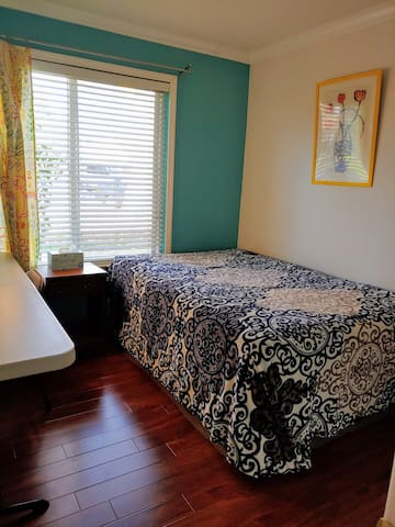 Privater room berryessa san Jose (Locked room R 2)