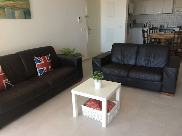 New and modern 3BD apartment in Ashdod - Ashdod - Apartemen