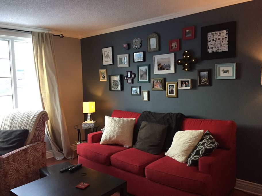 Comfortable living space with cable and wifi access