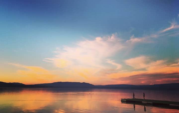 Great Location & Wonderful Lake View