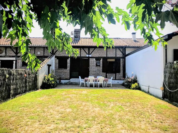 Jolie maison au cœur de Léon-Landes, proche Océan