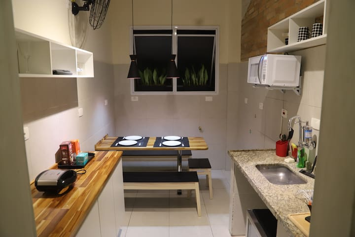 Studio Near Subway station and shopping mall!
