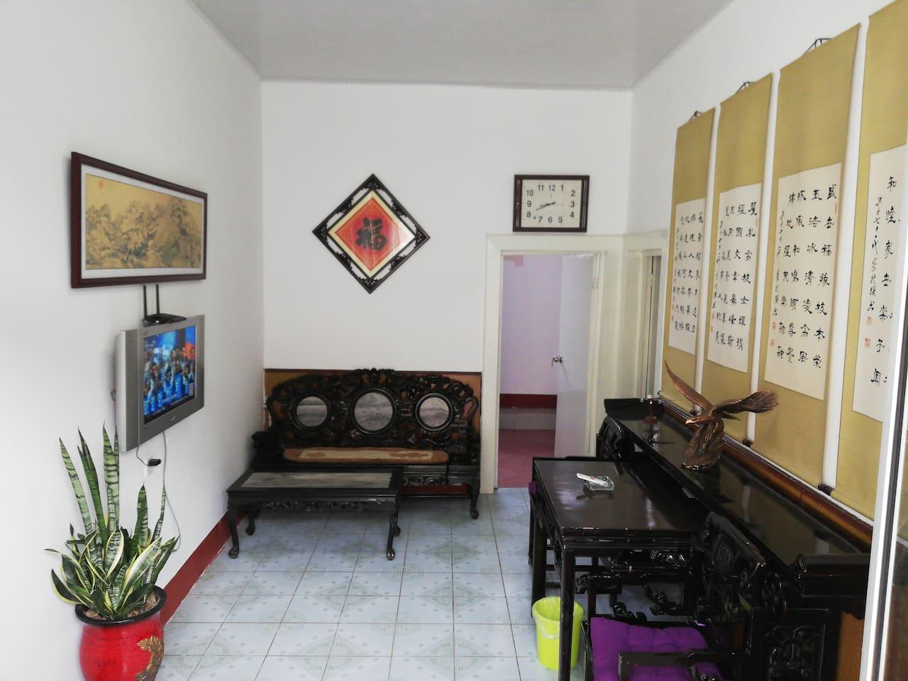 客厅古式家具明亮,怀旧风格。