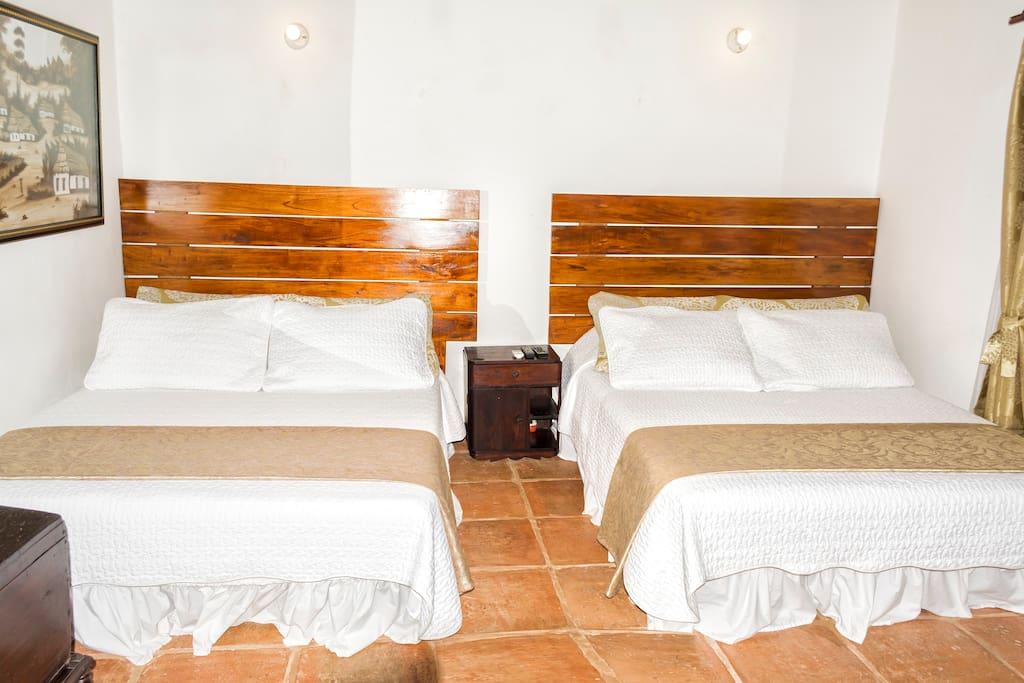 habitacion dos camas dobles max 4 personas  140.000
