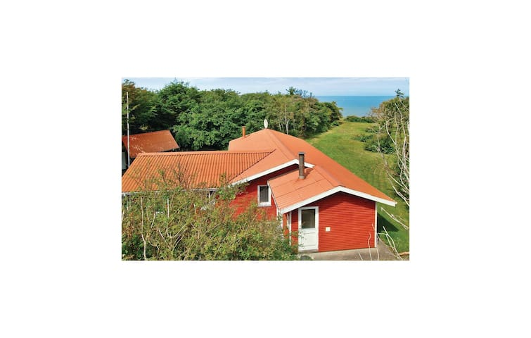 Holiday cottage with 4 bedrooms on 95 m² in Spøttrup