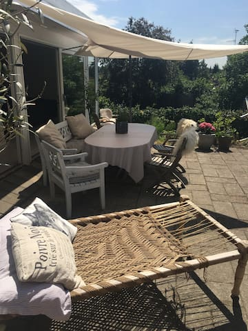 Large house with beach, harbour, shopping close by - Hørsholm - Ev