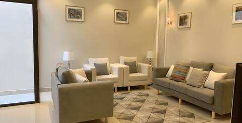 New Luxurious 3BR Apartment in Almalqa