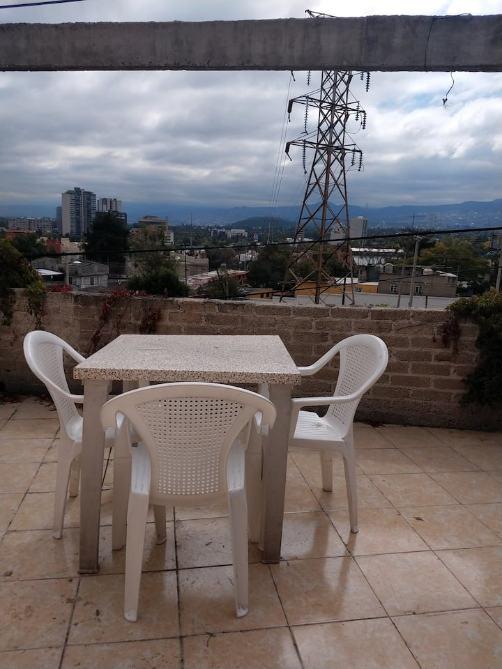 Cerca de Televisa San Ángel y Periférico.