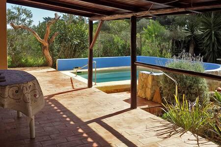 Lovely private heaven with pool and campo view - Barão de São Miguel - Almhütte