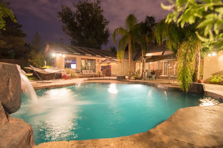Tropical Estate&Guest Apt Hockey tickets available