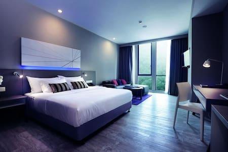 Deluxe Premium King Suite Damansara Perdana #1 - Petaling Jaya - Hotel boutique