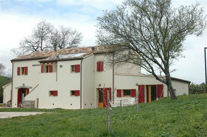Casa Lella, a 5 minuti dalla Baia di Portonovo - Portonovo - Dům