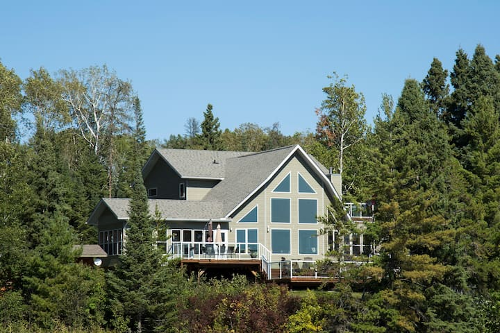 Stormbay Cottage on Lake of the Woods -Weekly Only