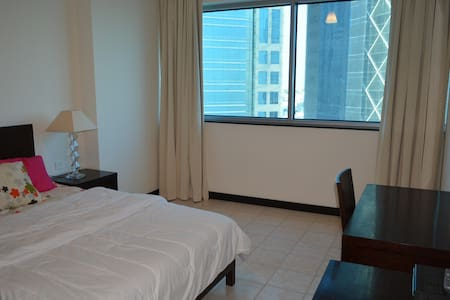 Spacious Room close to everything - Doha - Appartement