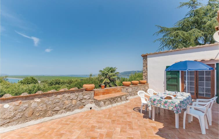 Holiday cottage with 4 bedrooms on 160m² in Ansedonia (GR)