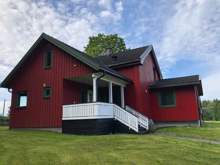 Bo i Hamar? Koselig hus 7 km fra sentrum.