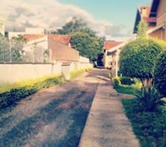 Casa aconchegante proximo a lagoa  com conforto - Porto Alegre