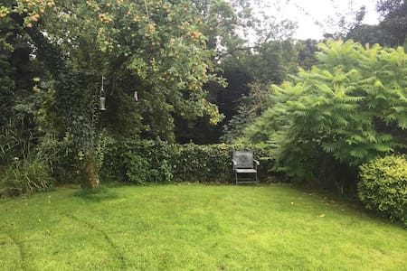Peaceful camping space in private riverside garden - Wennington - Annat