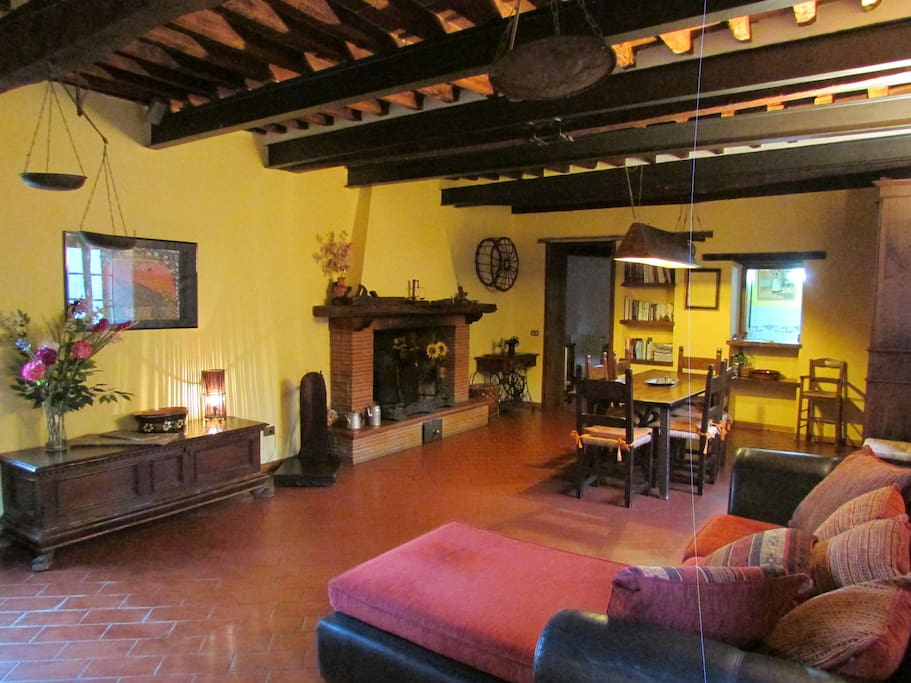 Typical tuscan house in the nature houses for rent in for Tuscan view guest house
