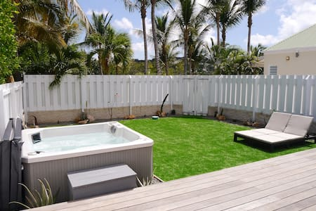 Villa Palmiers - Modern Private House with Jacuzzi - Gustavia - Casa