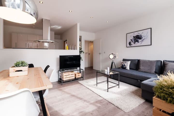 Stylish 2 bedroom apartment in heart of Shoreditch