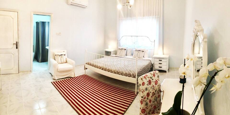 top offer-lovely home in a heart of Dubai-book now