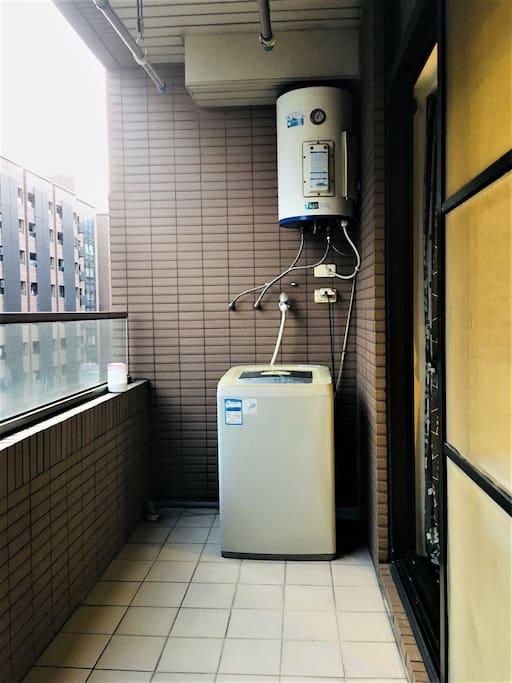 蓄水型電熱水器及洗衣機