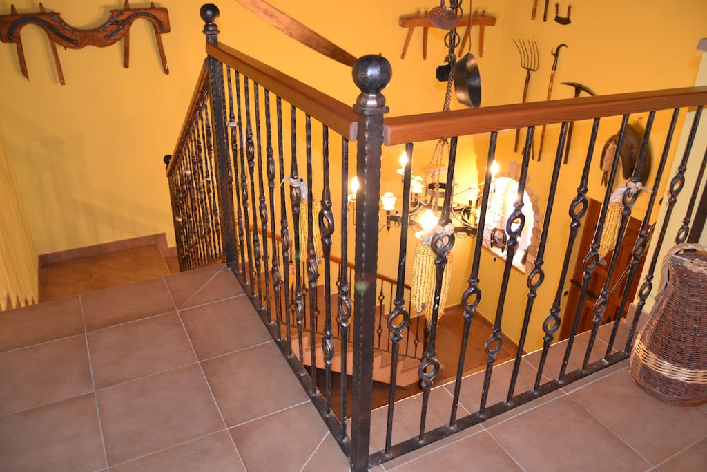 Escaleras del hall