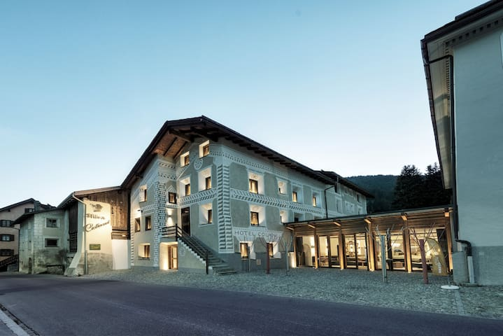 Affordable luxury in Engadin syle - Madulain - Bed & Breakfast