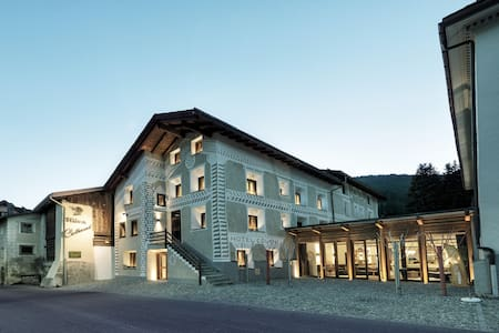 Affordable luxury in Engadin syle - Madulain