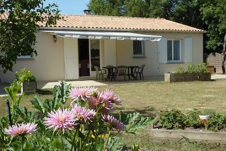 Chambre chez particulier maison plain-pied - Saint-Porchaire